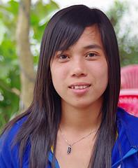 Girl in Hu (Jom Manilat) Tags: hue hu viet nam vietnam girl