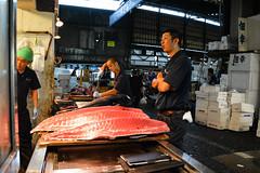 tsukiji-5 (winnieyklai) Tags: tsukiji fish fishmarket market tokyo japan seafood tuna sushi