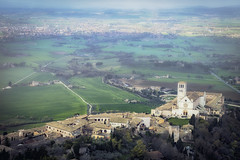 Foggy Assisi (Alessandro Tamburro) Tags: assisi basilica viaggi foggy nebbia nebbiosa foschia panorama belvedere umbria