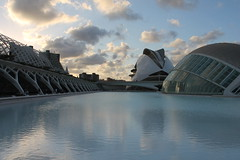Citt della scienza 1 (*Sefora*) Tags: valencia spagna cittadellascienza water cloud sky architettura buildings