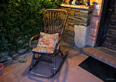 Rocking chair (Franco DAlbao) Tags: francodalbao dalbao fuji porche porch mecedora rockingchair casa house descanso rest noche night hogar home silla chair