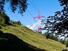 Walking down to the Kesselfall Klamm (Roger Hanuk) Tags: groupofpeople austria austrian children footpath kaprun path pylon red walker salzburg at