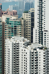 20160830-09-View of Hong Kong tower apartments and buildings from Victoria Peak (Roger T Wong) Tags: 2016 hongkong rogertwong sel70300g sony70300 sonya7ii sonyalpha7ii sonyfe70300mmf2556goss sonyilce7m2 thepeak victoriapeak apartments buildings haze skyline skyscrapers smog travel