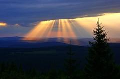 Sonnenstrahlen (Deutscher Wetterdienst (DWD)) Tags: sonnenstrahlen sonne sun sonnenschein wolken clouds himmel sky dwd wetterdienst