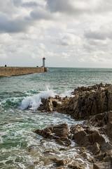 Leuchtturm von Audierne (Seahorse-Cologne) Tags: audierne bretagne breizh brandung meer leuchtturm lighthouse frankreich france sea wellen