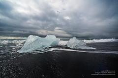 shs_n8_005666 (Stefnisson) Tags: sea ice beach berg landscape iceland glacier shore iceberg gletscher glaciar sland icebergs jokulsarlon breen jkulsrln ghiacciaio strnd hafi jaki vatnajkull fjara jkull jakar s gletsjer ln  glacir strndin sjaki sjakar stefnisson