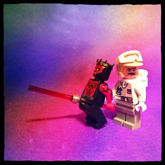 Darth Maul Present : Hoth Rebel Trooper (nefasth) Tags: toy starwars lego minifigs tadaa adventcalendar darthmaul jouet 2012 minifigures 9509 hothrebeltrooper uploaded:by=flickrmobile flickriosapp:filter=nofilter