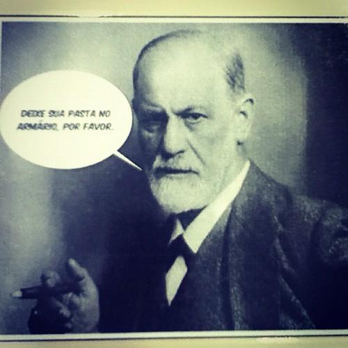 Enquanto isso, na biblioteca..... #Freud #library #psychology