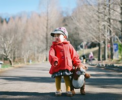 * (kAz_55) Tags: portrait 120 film girl kids fuji child 67 kodomo  pentax67 10524  pro400 67
