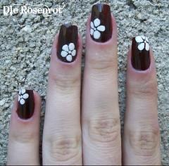 """Flor branca Risqué """"Uva"""" 02 (Designer de Unhas Letícia Medeiros) Tags: florbranca unhadecorada risquéuva"""