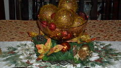 Christmas Center Piece- Interior Decorators - Barbados (sejuselektion) Tags: christmas design interior decoration decorating barbados caribbean interiordecorating tablecenterpiece sejuselektion floristinbarbados sejuselektionflowershop sejuselektionflowergiftshop barbadosflorist