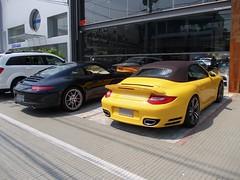 Porsche 911 Turbo Cabriolet (997) & Porsche 911 Carrera S (991) (Rodrigo Cardoso Photography) Tags: brazil avenida europa 911 s turbo porsche carrera cabriolet 991 997 superesportivo flickraward esportivos