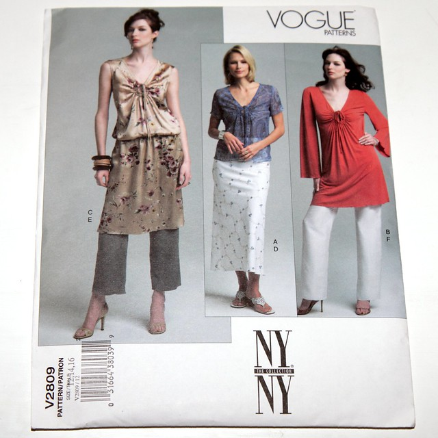Vogue vintage sewing pattern V2809 – top, tunic, skirt, pants – size 12,14,16