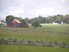 8923 Codori Farm, Bryan Farm (lcm1863) Tags: autumn fall barn rural pennsylvania farm scenic gettysburg battlefield redbarn 2010 bankbarn