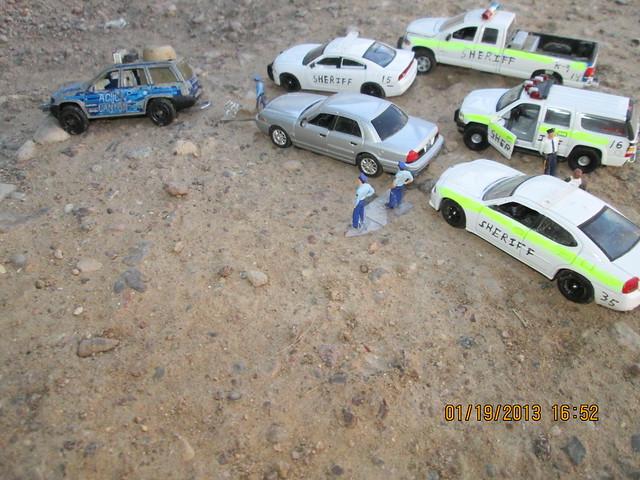 dodge jeepcherokee dodgecharger diecast sheriffs dodge2500 fordcrownvictoriapoliceinterceptor 2000chevroletsuburban