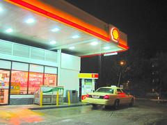 winter chicago rain hail night illinois yellowcab softfocus shellstation neonglow pump8 reneemcgurk corneroftouhyandsheridan