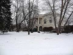 Day 29: January 29, 2012 (Elizabeth Thomsen) Tags: winter usa snow geotagged unitedstates libraries massachusetts january danvers publiclibraries project365 2013 elizabeththomsen ethomsen peabodyinstitutelibraryofdanvers geo:lat=4256200260 geo:lon=7094052315