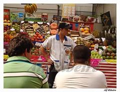Alf 0010 - 0457 (Alf Ribeiro) Tags: cidade brazil urban brasil digital work pessoa gente sãopaulo capital laranja dia fruta alimento mercado mercadomunicipal sp worker urbano uva homem cor trabalho venda maçã pinha trabalhador américadosul caju jabuticaba bandeja barracas cantareira goiaba ameixa pêra mercadão agrícola agronegócio frutadoconde seriguela fruticultura trabalhosocial alfribeiro mangistin