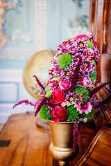 Vielen Dank fr die Blumen (DOKTOR WAUMIAU) Tags: 35mm d7200 ishootraw nikon schloss baroque berlin flowers friedrichsfelde lightroom schlossfest tierpark vscofilm musikzimmer