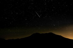 Tip of the Spear DDZ_5656 (NDomer73) Tags: 10august2016 august 2016 volcano mountsthelens sthelens night meteor perseid