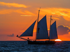 Organic shape (gabbydegroat) Tags: schiff segelschiff windjammer hansesail segeln schifffahrt welle kste ostseekste warnemnde rostock mecklenburgvorpommern ostsee wasser wellen himmel wolken blau abends abend maritim sonnenuntergang urlaub ausfahrt regatta romantisch idylle segel