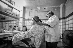 naamloos-1-2.jpg (hans van egdom) Tags: kapper marokko