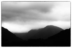 Lowering the Blanket (warth man) Tags: d750 nikon70300mmvr mono silverefexpromono ullswater glenridding hills englishlakedistrict mountains cloud blanketcloud