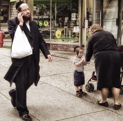 (archimontreal) Tags: outremont peyos jewishpride hasidseries chassidic chassidish kosher yiddish hasidic jews hebrew vscocam jew judaism yarmulke kippa kippah