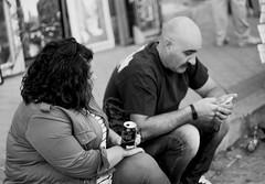 Descanso (andyliar94) Tags: social retrato monocromo blanco negro monocromatico calle street city sunday humor mood amateur instant moment captura rastro madrid la latina people
