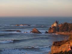 Lumière du soir (domi1951 >2 000 000 views thks !) Tags: sunset vagues biarritz lamer rochers île atlantique océan