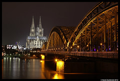 Köln, 28-12-2012 (Henk Zwoferink) Tags: bridge skyline architecture night dom köln rhein hbf koeln rijn henk keulen zwoferink 28122012