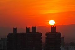 Cerrando las persianas del 2012 (ssimonecba) Tags: sunset atardecer cloudy cordoba ao nuevo findeao 2012 2013 helipuerto epec