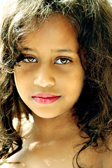 Beauty (fedatny_walla) Tags: girls people cute love girl beauty kids canon happy photography kid nice eyes heart browser sweet uae lovely fatma                    fedatnywalla abdou2011 fatmaabdou