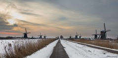 Windmills in the winter ... Explore (Alex Verweij) Tags: morning winter snow cold holland ice canon sneeuw windmills 7d mills kinderdijk molen januari ochtend ijs schaatsen koud molens windmolens 2013 alexverweij mygearandme mygearandmepremium 26jan13