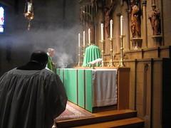Summer 2016 (Saint John's Church, Passaic, New Jersey) Tags: saintjohnschurchpassaicnewjerseyusa episcopal episcopales anglican anglicanos anglocatholic anglocatolicos sungmass misa cantada altar chasuble casulla incense incienso ordinarytime