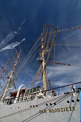 Dar-prtrt (321dustymix) Tags: tallship woodenboat flags riverblyth river boats ship dar mlodzeizy