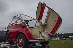 BMW Isetta (appie462@gmail.com) Tags: appie462 appiedeijcks automobile autos beauty canoneos5dmarkii canon cars carshow classic car coche classiccar carro carspot bmw isetta300 eos europeancars germancar holland oldtimer old photography picture ride showcars worldcars