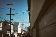 Santa Monica   California (William Self) Tags: la santamonica losangeles residential usa california unitedstates america alley poles wires sonya6300