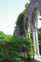 Archway (Kris_wl) Tags: arches archway columns ionic overgrown picturesque beautiful old stone green gray grey gothic