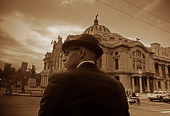 Our agent in Mexico (Harry Szpilmann) Tags: mexico bellasartes people portrait mexicano retrato sombrero mexique streetphotography