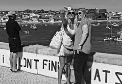 A selfie at the Cascais Bay (pedrosimoes7) Tags: selfie candid sunglasses tourists passionphotography