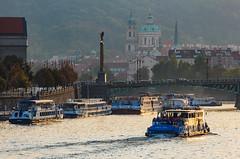 Loky na Vltav (Honzinus) Tags: vltava praha prague cz czech esko river evening veer z strahov mikul city