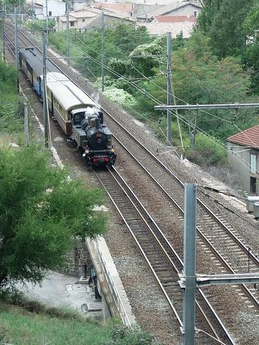 "Tronc commun avec la SNCF (3 rails) • <a style=""font-size:0.8em;"" href=""http://www.flickr.com/photos/86960250@N02/8258445019/"" target=""_blank"">View on Flickr</a>"