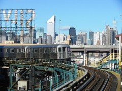 R-62A Subway Cars #1659/1660/2021 - IRT Flushing Line at QBP (transbay) Tags: nyc newyorkcity newyork skyline train subway track rail midtown queens transit citigroup queensboroplaza 2021 citigroupcenter rapidtransit 1660 1659 flushingline r62a