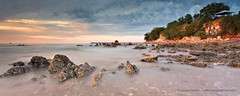 Mindil Beach, Darwin (Louise Denton) Tags: ocean sunset sea cliff beach rocks nt australia darwin panoramic lookout goldenhour lastlight mindilbeach