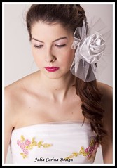 Julia Carina Design , Bridal fascinator (Eskvi fejdsz) Tags: wedding white fashion design hungary julia handmade lace carina wear showroom accessories bridal visual magyar weil ruha stylist eskv weddign fehr fascinator individuell fot menyasszony ftyol eskvi kiegszt kszlt stdi kzzel csipke egyedi kszts artbalance fejdsz csipks eskv visualmerchandieser merchanieser