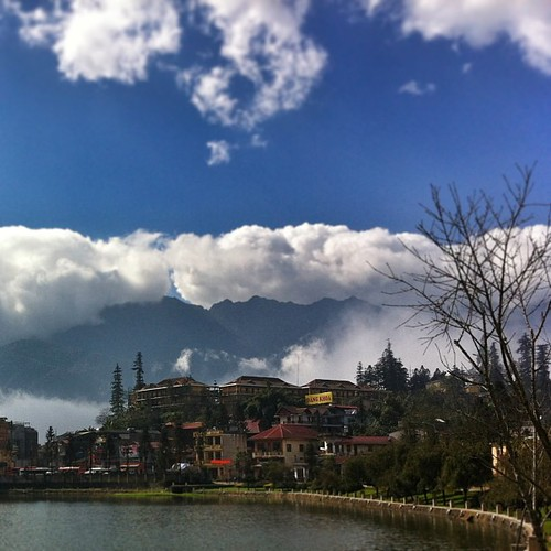 #Sapa lake from the other end - constant #cloud rolling #namafia #vietnam