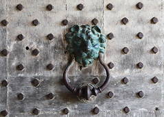 Leeds Castle 8721 (Tony Withers photography) Tags: uk castle lady kent leeds olive historic doorknob 2012 baillie