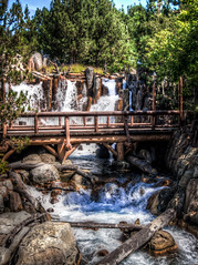 "Grizzly River Rapids - Disneyland California Adventure • <a style=""font-size:0.8em;"" href=""http://www.flickr.com/photos/85864407@N08/8339236797/"" target=""_blank"">View on Flickr</a>"