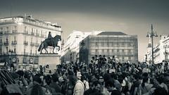 2012-05-12 M Concentración Sol 06-2.jpg (Eduardo Sampedro) Tags: madrid city bw españa sol sepia spain downtown ciudad bn urbana 15m 12m concentración spanishrevolution indignados